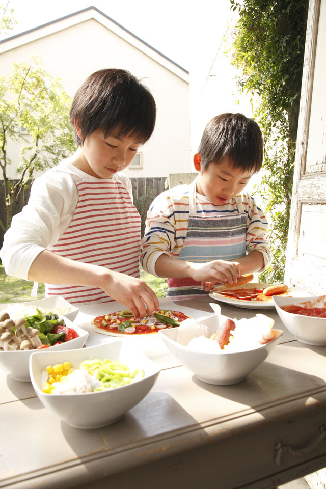 自由にトッピング!! 子どもでも簡単!手作りピザ