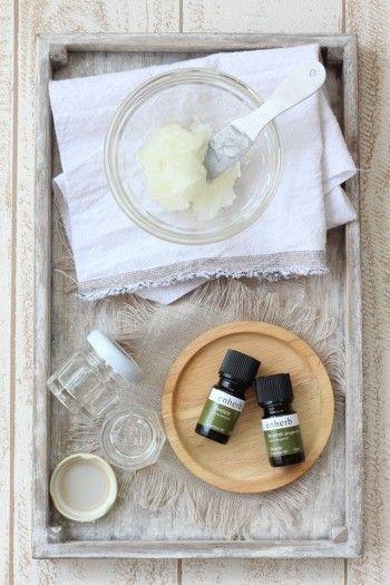 ・ワセリン    40g  ・エッセンシャルオイル(好きな香り2種類)各3~4滴 ・保存用の空き瓶 ・混ぜるためのスプーンなど