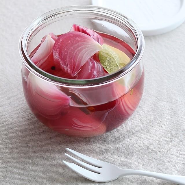 夏の常備菜におすすめ!サッパリさわやか紫タマネギのピクルスの作り方