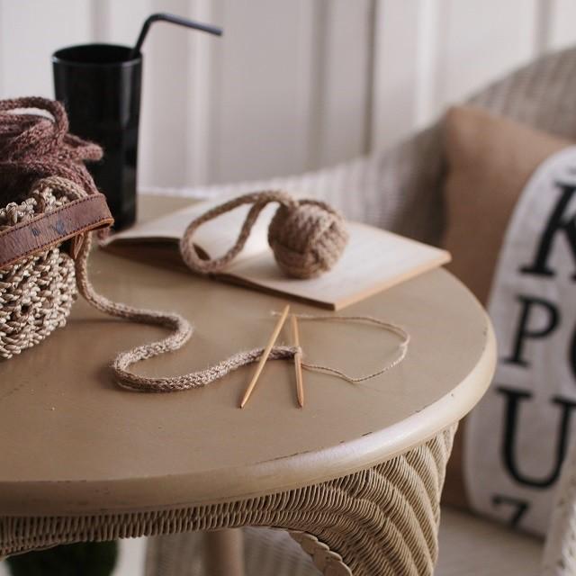 モバ編みのすすめ★簡単&アレンジいろいろ!北欧伝統のひも編みでつくる「花結び」
