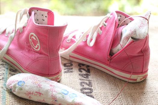 庭のローズマリーでつくる靴用サシェ