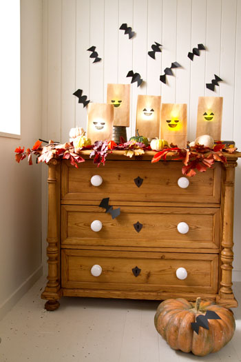 ◆ハロウィン特集①オイルペーパー袋と懐中電灯でハロウィンランタン