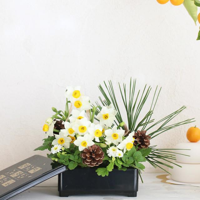 花代0円!100均のお重に庭花でお正月アレンジ かんたん飾り方つき