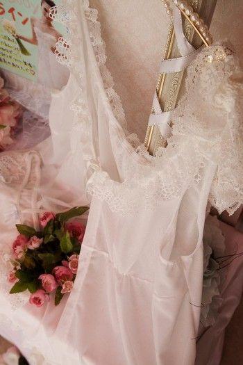 女性にとって、ランジェリーは特別なもの。 洋服の下で見えなくても、 可愛い下着はやっぱりテンションが上がります。