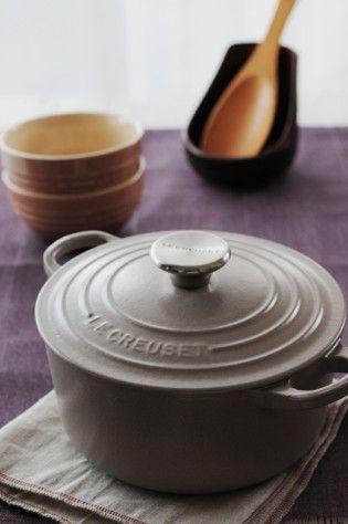 カシスとカカオ シックでスタイリッシュな感じ。 夜ごはん みんなであたたまるお鍋をいただきましょう!