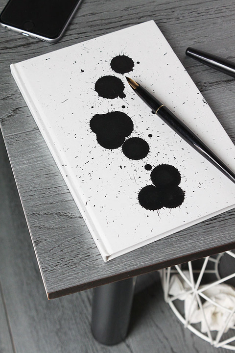 墨をぽとん!でOK 墨のしずくのオリジナルノート