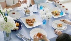 お料理が盛り付けられると色が加わることをお忘れなく!