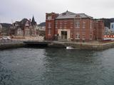 水辺の洋館