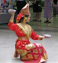 1004民族舞踊