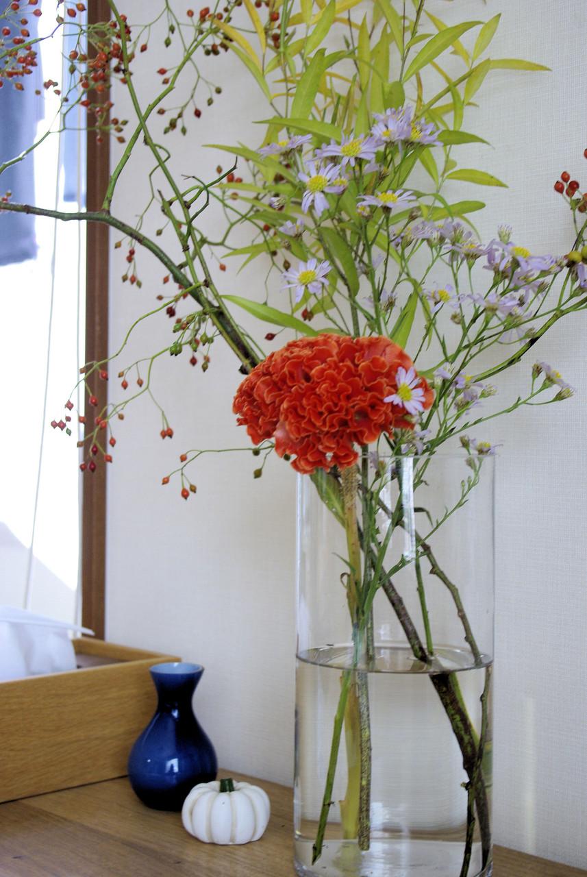 最近は花を生けることで物欲センサーを抑えられている気がしますw