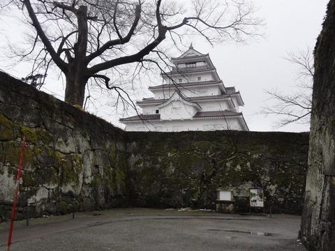 ちょい雪の鶴ヶ城