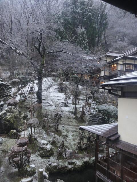 うっすらと雪景色が!!