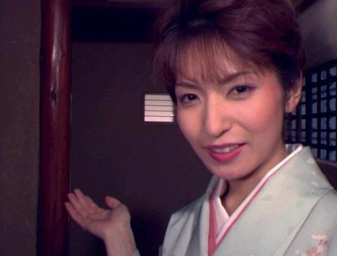(541) 笑顔の被虐の美女19南波 杏