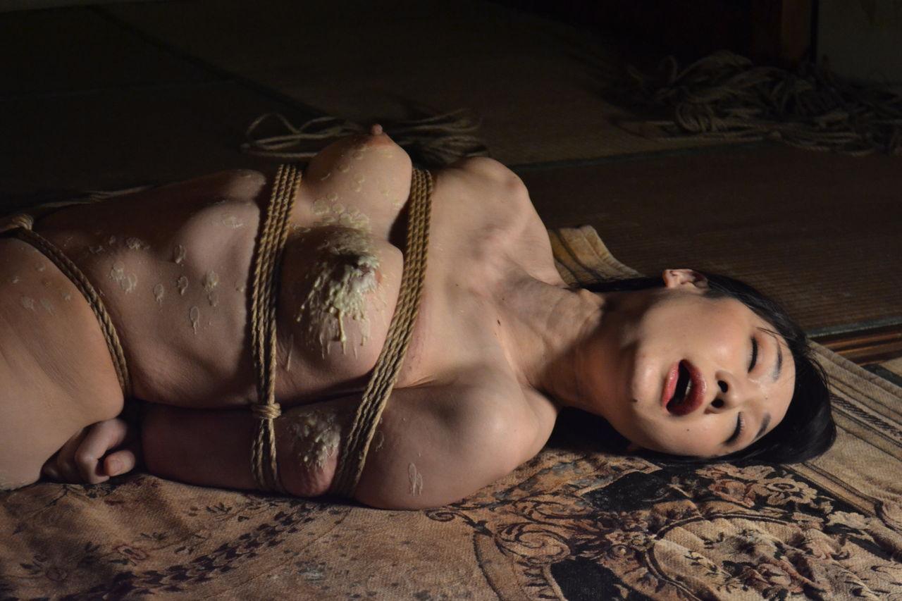 美しい緊縛画像01 (188) 美しき下肢を晒す美女(1)01若林美保 nikon