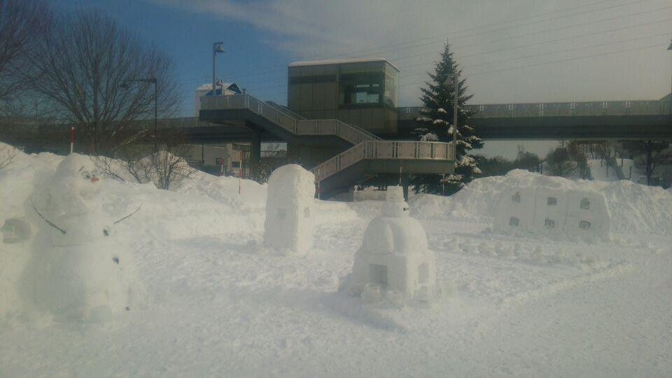 札幌ドーム広場の雪像たち