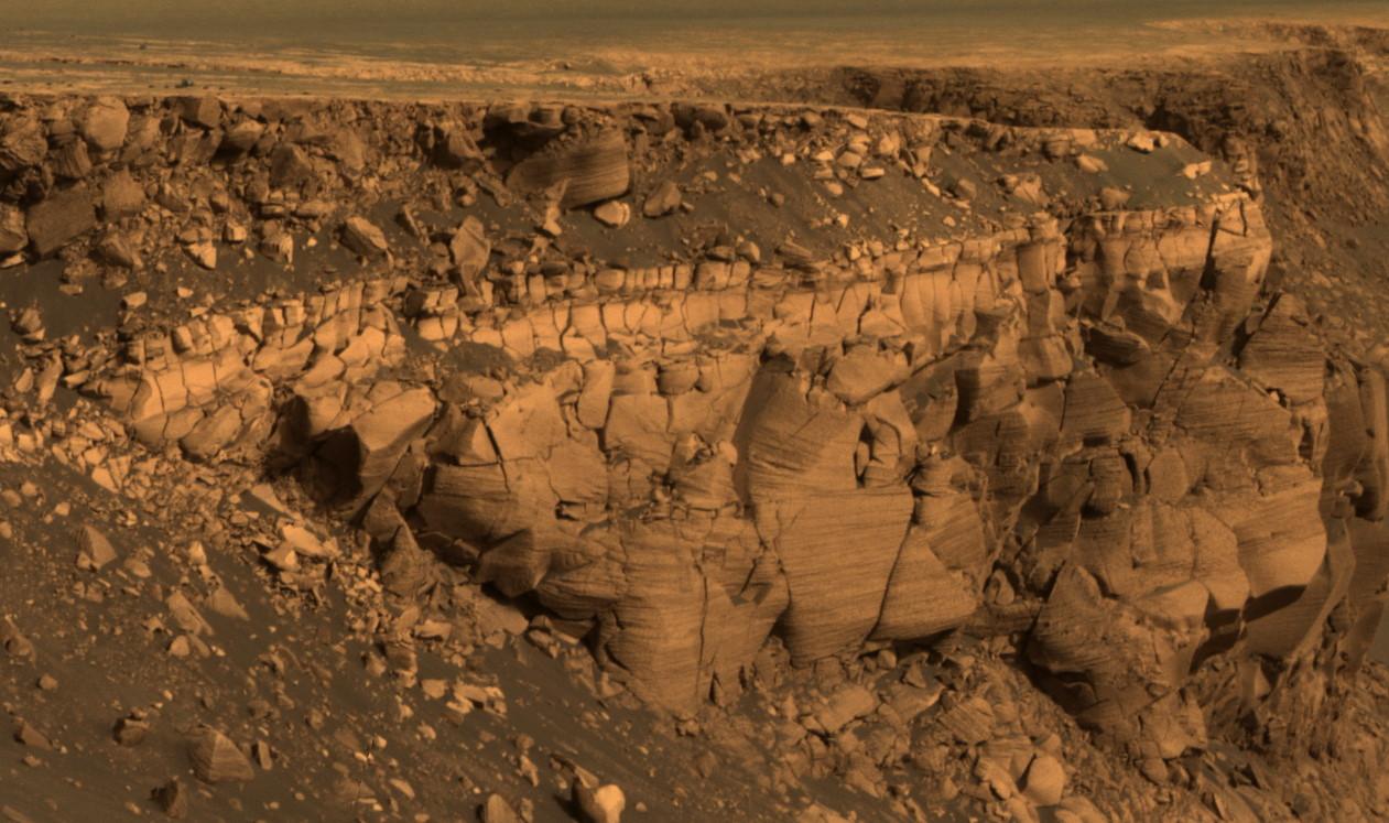 火星の地表で「タマゴ」のような物体が見つかる(画像あり)