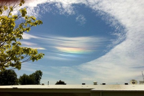 unusual_natural_phenomena_in_the_australian_sky_640_03