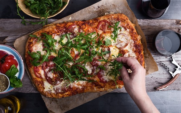 190823-pizza-al-1331_c4eca21ecffeb1baebc8de7458fcb93a.fit-1000w