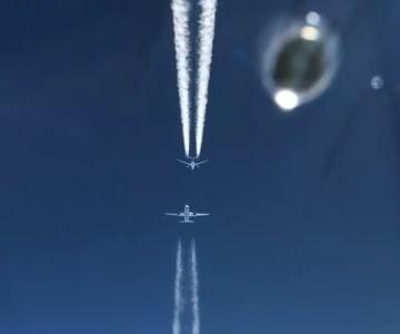 【英国】2航空機、あわや正面衝突の映像 匿名パイロット投稿