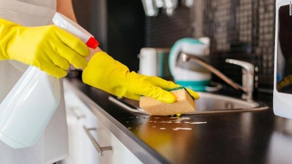 殺菌洗剤で子どもが肥満に?、腸内環境変化で カナダ研究