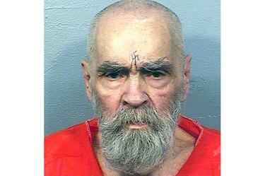 無差別殺人犯のチャールズ・マンソン受刑者、死去 83歳