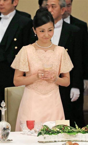 【画像】 佳子さま、初めて宮中晩餐会にご出席