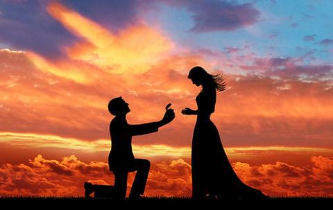 告白やプロポーズは男からやれという風潮wwwwwwwww
