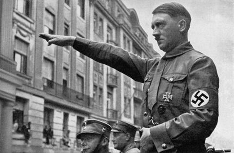 ヒトラー「女は弱い男を支配するよりも、むしろ強い男に服従することを好む」