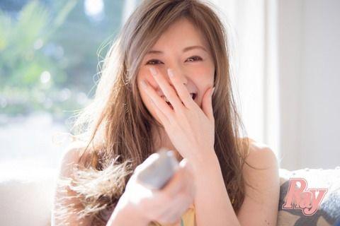 【悲報】乃木坂のエース白石麻衣(25)、映画で女子高生を演じた結果wwww