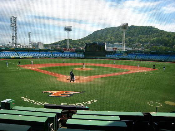 韓国スタジアム