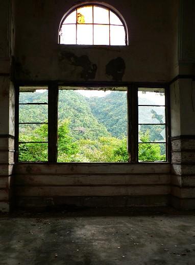 ホールの中2