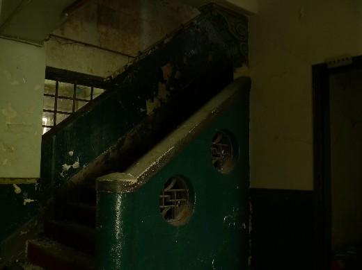 二階の階段