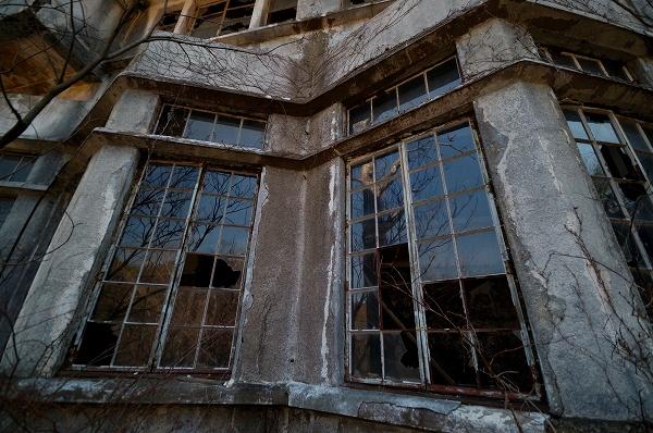 ジグザグ窓