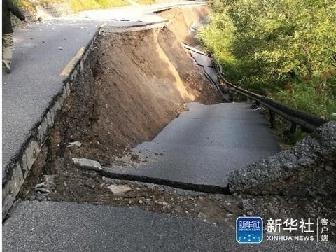 九寨溝道路損傷2