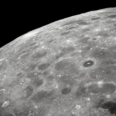 月の裏側アポロ8号