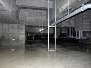 豊洲地下漏水