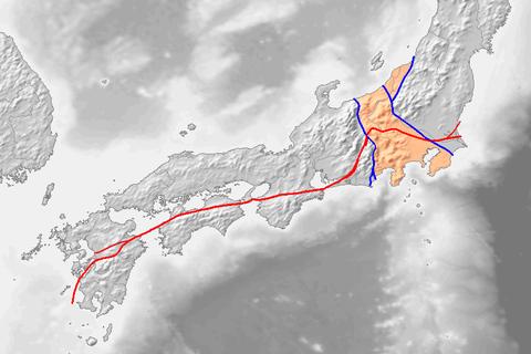 中央構造線とフォッサマクナ境界線