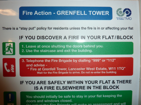 ロンドン高層アパート火災12