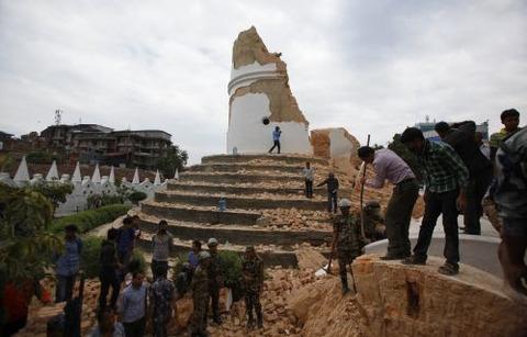 ネパールダラハル塔崩壊