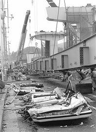 広島橋梁落下事故