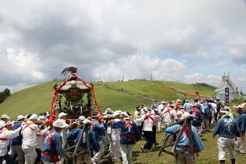 剣山神輿渡御祭1