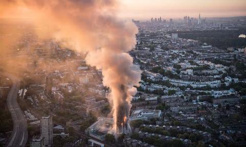 ロンドン高層アパート火災11