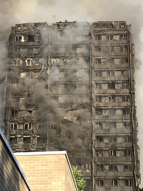 ロンドン高層アパート大火災4