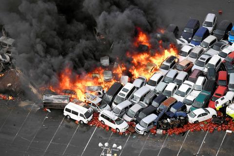 オークション車両火災
