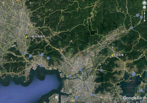 東名高速 観光バス乗用車正面衝突事故