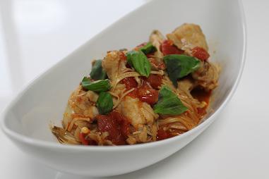 鶏肉とキノコの和風トマト煮込み