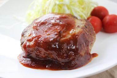 肉汁あふれるハンバーグ