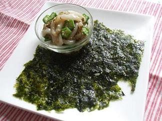 イカとオクラの韓国海苔包み