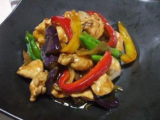 彩り野菜と鶏肉の炒めもの