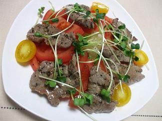 ラム肉の温かいカルパッチョ